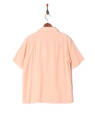 pink シャツ・ブラウスを見る
