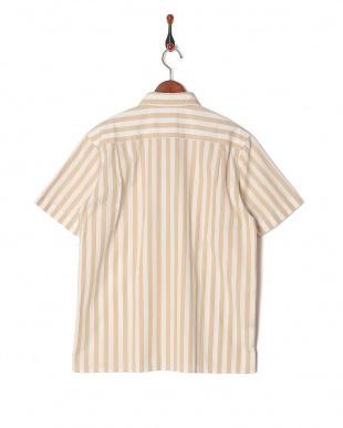 ベージュ ワイドストライプハーフスリーブシャツを見る