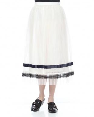 O/WHT  裾ラインチュールプリーツスカートを見る
