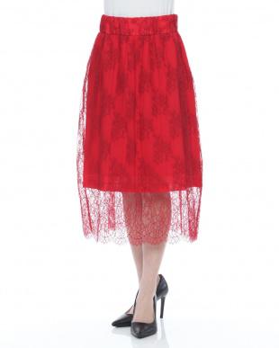 赤  スカートを見る