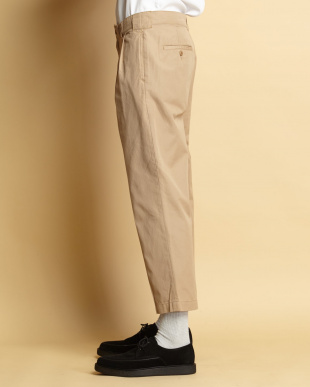 BEIGE 2TUCK CROPPED PANTSを見る
