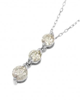 Pt 天然ダイヤモンド 計0.5ct スリーストーン ネックレスを見る