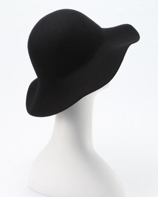 BLACK FELT HATを見る
