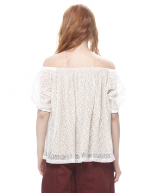 WHITE TULLE LACE OFF SHOLDER TOPを見る