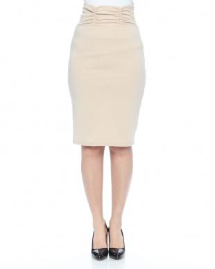 ベージュ シャーリングベルトカットスカートを見る