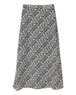 ブラック リトルフラワーセミフレアロングスカートを見る