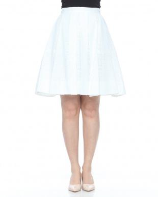 白 ボックスロングスカートを見る