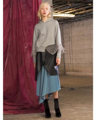 ブルー ラップエコレザースカート UN3D.を見る
