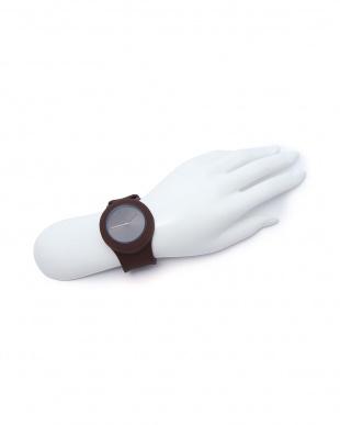 ブラウン 腕時計・ワン・エーエム/アイトを見る