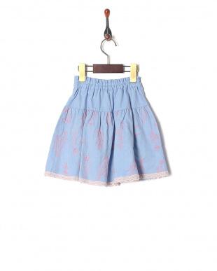 ブルー シャンブレー総刺繍スカートを見る