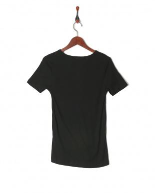 17 Vネック半袖Tシャツ(G)を見る