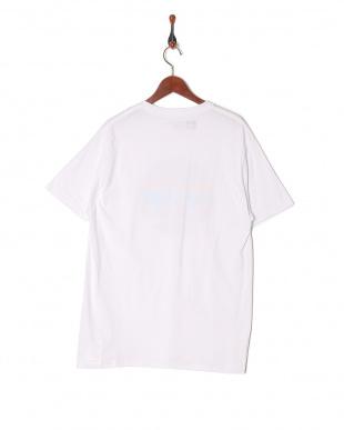 WHI  Tシャツを見る