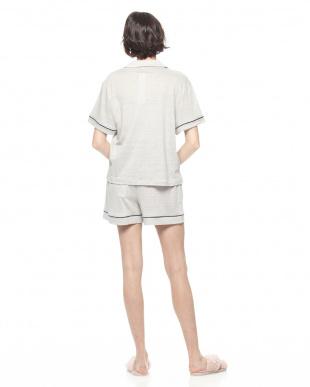 グレー リネン半袖パジャマ&ショートパンツセットを見る