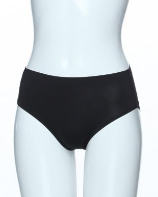 ブラック・ベージュ・ブルーの3色組 エアーフィットクールシームレスショーツ3色組を見る