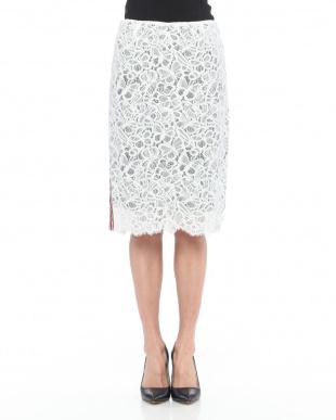 90/無彩色A(ホワイト) サイドラインレーススカートを見る