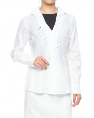 ホワイト イタリアンリネンハシゴ刺しゅう 長袖シャツを見る