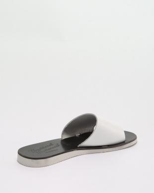 WHITE 靴・履物を見る