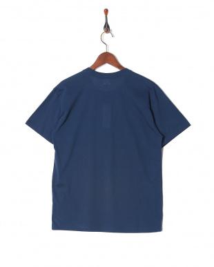 ネイビー カジュアルTシャツ クルーネックを見る