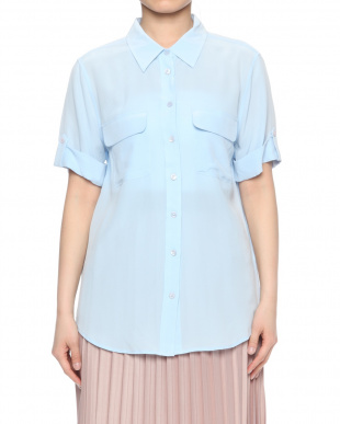 lt blue Q23-E542 SHORT SLEEVE SLIM SIGNATUREを見る