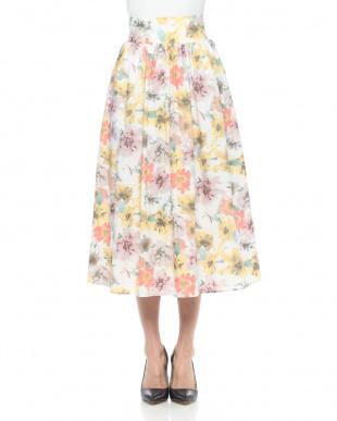 イエロー 綿ローン水彩花柄プリントスカートを見る