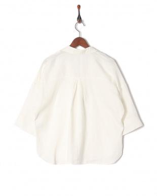 オフホワイト フレンチリネンスキッパーカラーシャツを見る