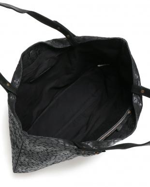 レオパードブラック クロエ レオパード柄 トートバッグ インポーチ付を見る