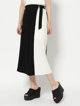 ブラック 【WEB限定】プリーツ切替スカート RESEXXYを見る