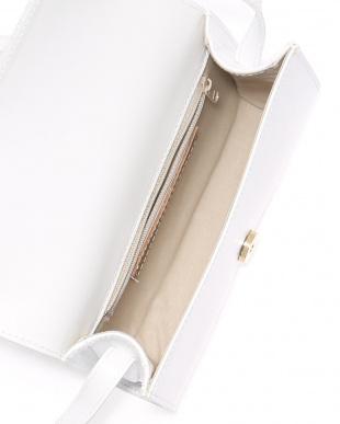 オフホワイト イタリア製レザーショルダーバッグを見る