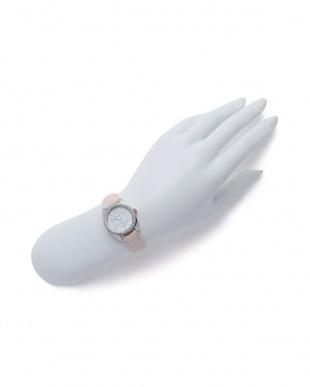プレミアムソーラー腕時計を見る