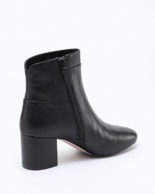 ARDEN GRAND BOOTIE:BLACK LEATHを見る