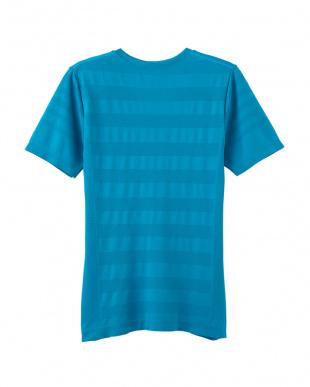 ブルーグリーン VネックTシャツを見る