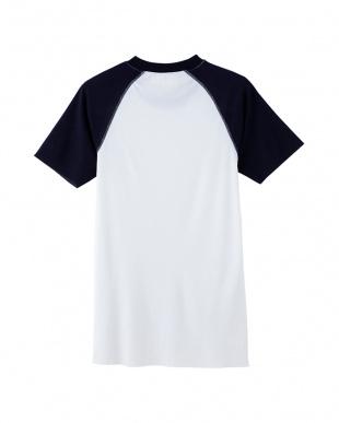 ホワイト クルーネックTシャツを見る