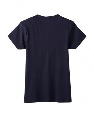 ディープブルー VネックTシャツを見る
