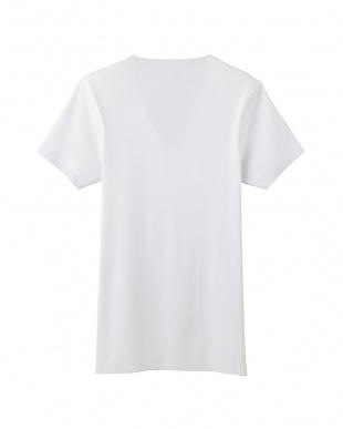 ホワイト カットオフ仕様VネックTシャツを見る