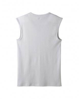 ライトグレー Vネックスリーブレスシャツを見る
