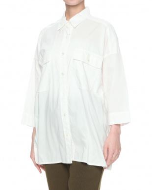 ホワイト コットンタイプライター ビックシャツを見る