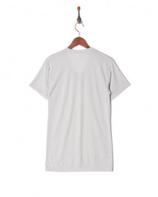 ライトグレー 吸水速乾 抗菌防臭 涼感メッシュ Vネックシャツを見る