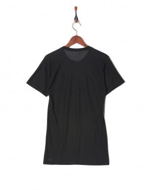 ブラック 吸水速乾 メッシュ ウルトラドライ クルーネックシャツを見る