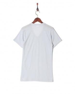 ライトグレー 吸水速乾 メッシュ ウルトラドライ Vネックシャツを見る