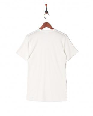 ホワイト 吸水速乾 メッシュ ウルトラドライ Vネックシャツを見る