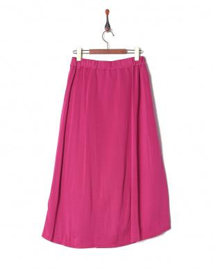 ピンク スカートを見る