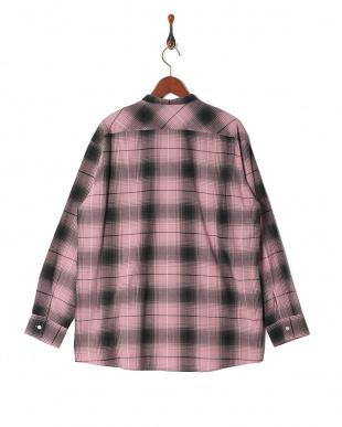ピンク ビッグシルエットチェックシャツ LSを見る