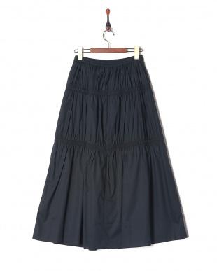 コン スカートを見る