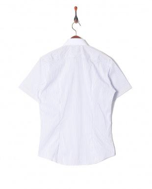 ホワイト ストライプボタンダウンシャツを見る