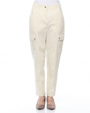 ホワイト パンツを見る