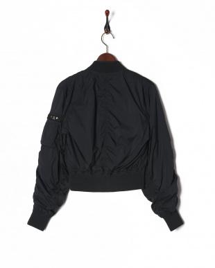 ブラック 4: ジャケットを見る