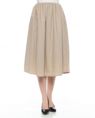 BEIGE スカートを見る