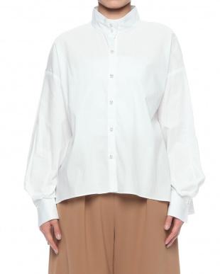 WHITE チャスカスタンドカラーシャツを見る