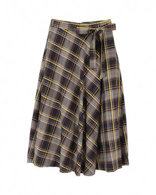 ブラック マドラスチェックフレアロングスカートを見る