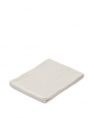 ホワイト/ピンクピンク 日本製シルク素材ボディケアタオル2枚+シルクボディスポンジを見る